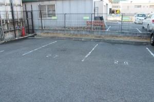 駐車場完備(鍼灸院西側)